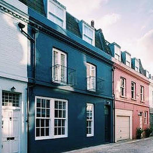 Lexham Mews – Earl's Court and Gloucester Road tube
