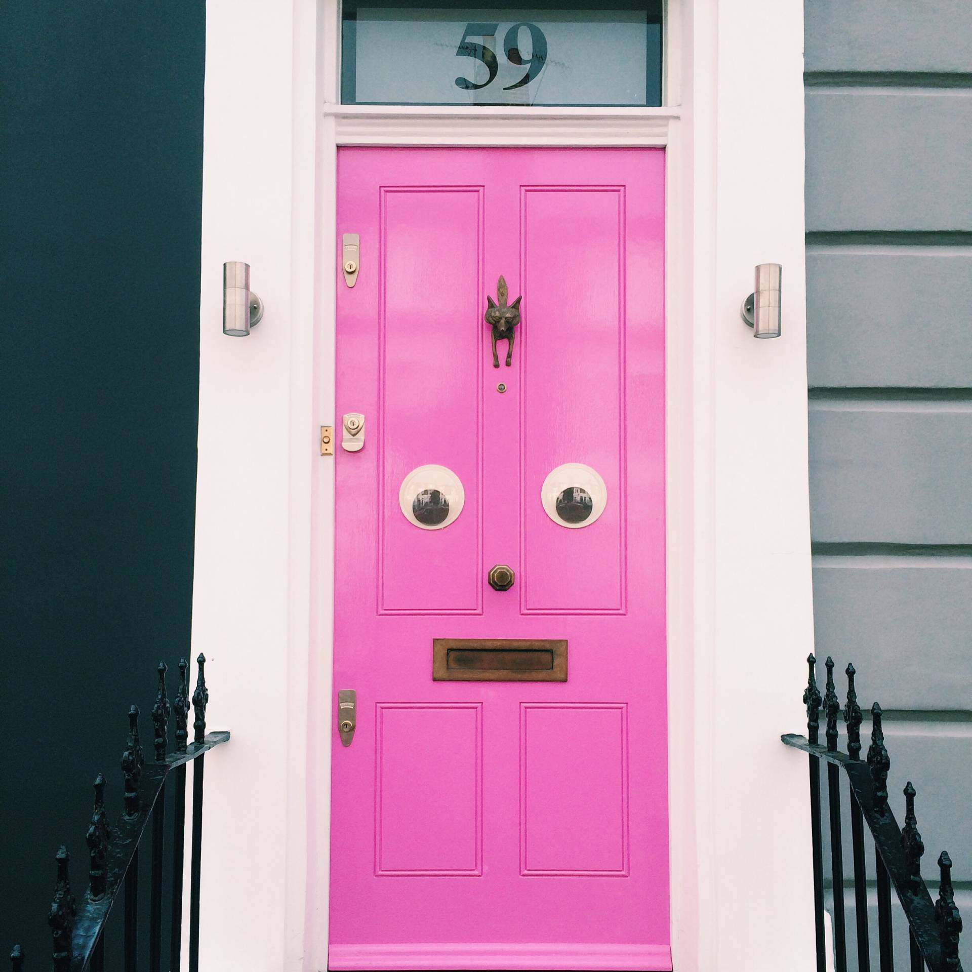 Pink with eyes – Porland Road, Notting Hill