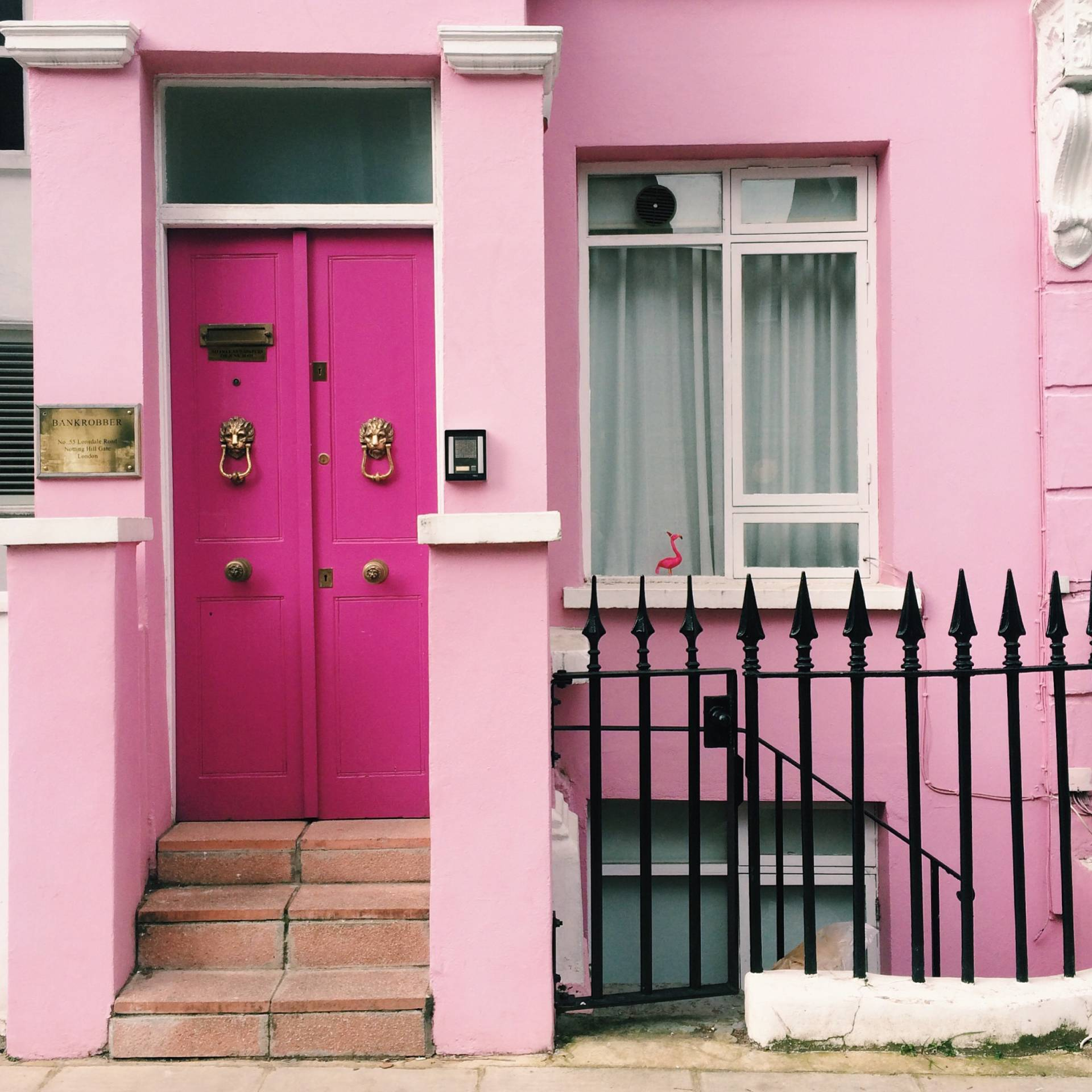 Pink with lions – Lonsdale Road, Notting Hill