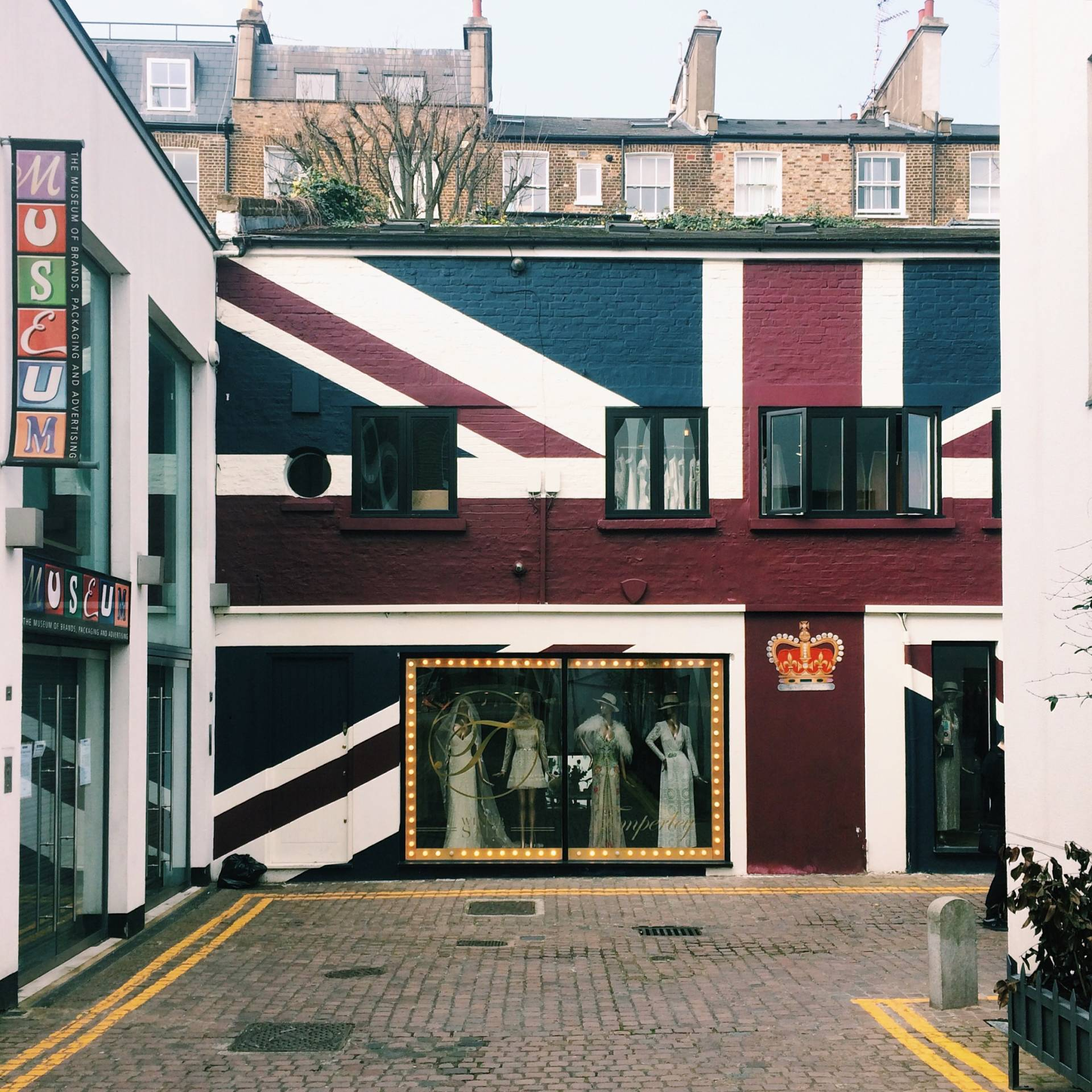 Union Jack Wall – Colville Mews, Notting Hill