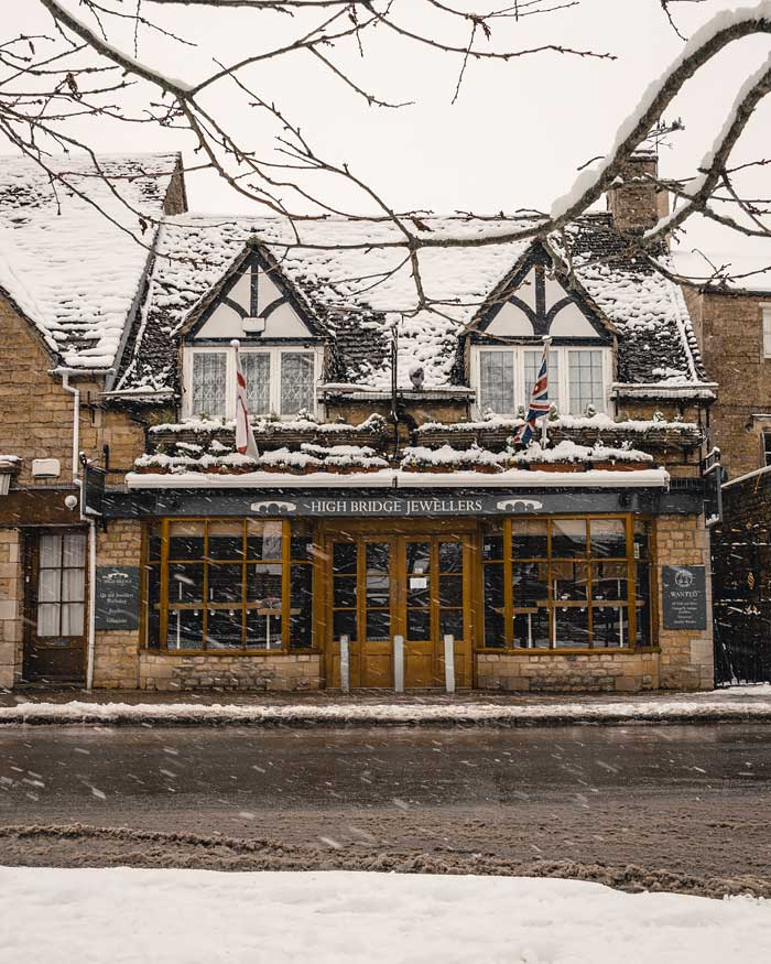 cotswolds bourton on the water in snow snowmaggedon england katya jackson 2