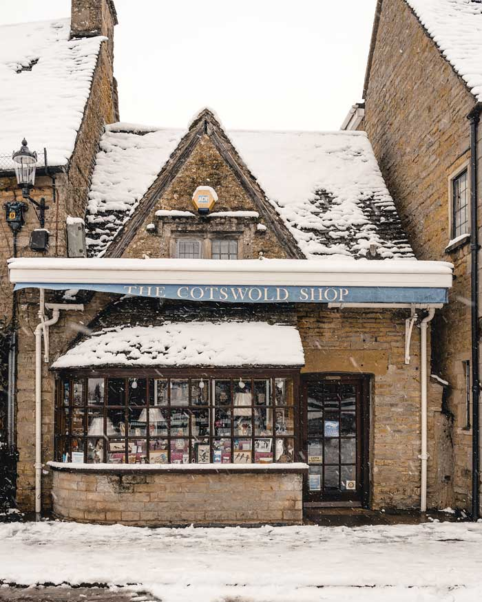 cotswolds bourton on the water in snow snowmaggedon england katya jackson