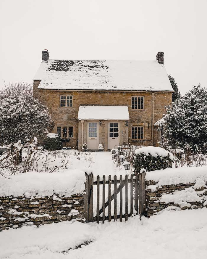 english countryside winter cotswolds upper slaughter in snow snowmaggedon england katya jackson