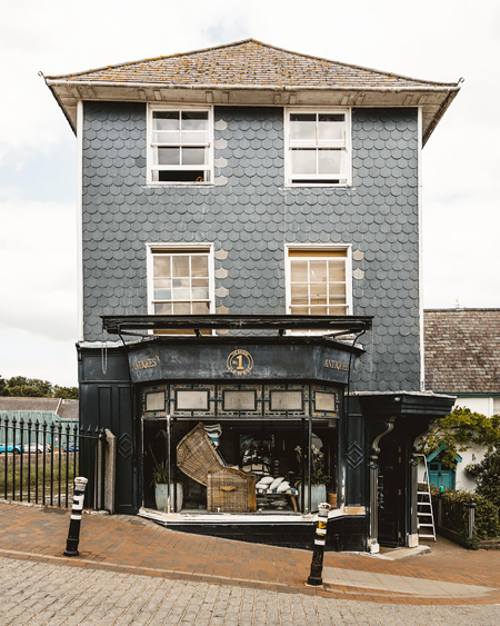 Lewes-East-Sussex-Things-to-do-Instagram-places-Katya-Jackson-Antique-Shop