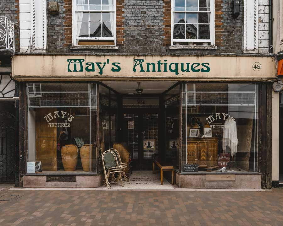 Lewes-East-Sussex-Things-to-do-Instagram-places-Katya-Jackson-Mays-Antique-2