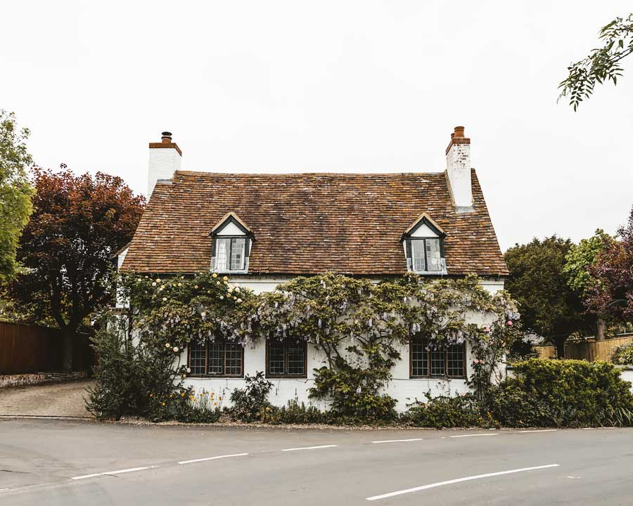 Stratford-Upon-Avon-What-to-do-in-a-day-trip-Katya-Jackson-Cute-English-Cottage